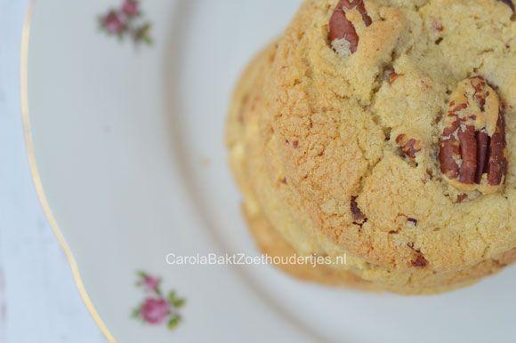 Chewy Pecan en witte chocoladekoekjes - Carola Bakt Zoethoudertjes