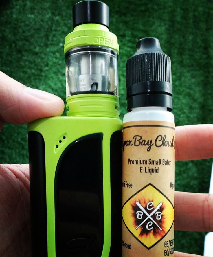 The #Eleaf ikonn220 kit and peaches & pineapples by #byronbaycloudco available @vaporaecigs www.vapora.com.au