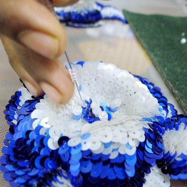 Master #embroider Azizul is finishing of our China porcelain #blue #3D #flower…