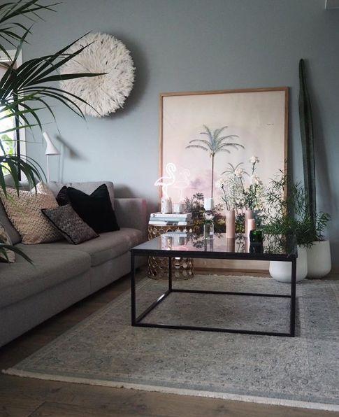 A decor escandinava é moda entre o Insta e Pinterest da vida e remete ambientes brancos branquinhos, tudo muito claro e neutro. Mas perambulando pelo Instagram, vi o apartamento de uma designer escandinava que não tem lá muito das características do estilo que ganhou o mundo. O apartamento de Malin Antonsen até segue o preceito […]