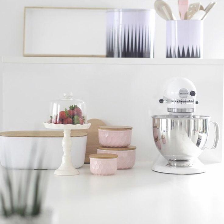 Weiße Küche // Weiße Möbel Inspiration MiniMenschlein.de