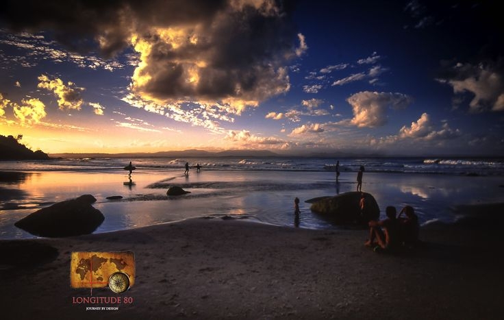 Another wonderful Australian sunset, this one in Byron Bay where our travellers enjoy a surfing lesson.