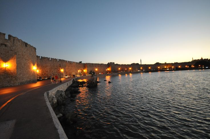 #Howto spend your nights in #Rhodes! See all the nightlife popular destinations!