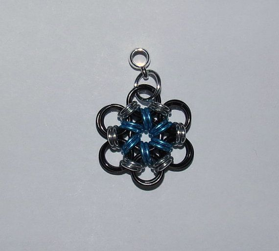 Japanese 6 in 1 Chainmaille Flower pendant by PawInspiredCreations