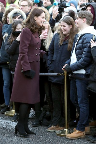 """Kate Middleton Photos - Catherine, Duchess of Cambridge meets wellwishers as she arrives at Hartvig Nissen School, the location for the successful Norwegian television programme """"Skam"""", with Prince William, Duke of Cambridge, where they will meet the actors and producers of the show and students to learn about the effect """"Skam"""" has had on bringing challenges facing teenagers out into the open on day 4 of their visit to Sweden and Norway on February 2, 2018 in Oslo, Norway. - The Duke and…"""
