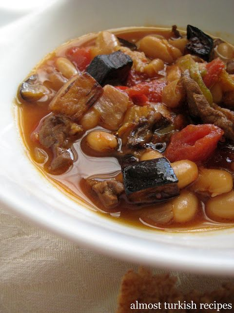 Almost Turkish Recipes: Cannellini Beans with Eggplant (Patlıcanlı Kuru Fasulye)