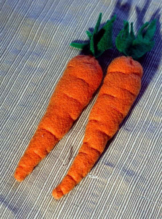 Felt Food Patterns | Felt Carrot Play Food by Nerd Pie Crafts | Sewing Pattern