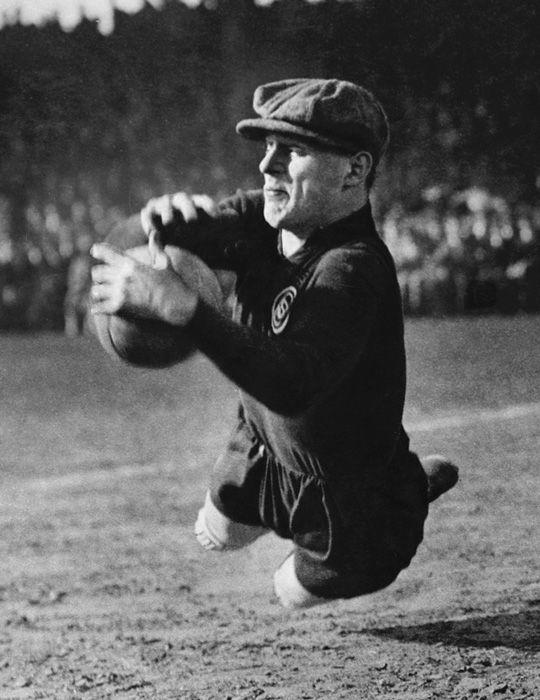 Martin Munkácsi (1896-1963) - The Goalkeeper, 1928.
