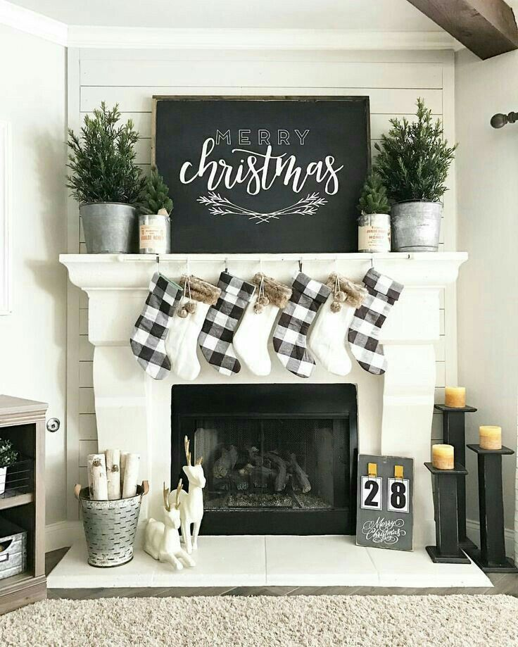Farmhouse Christmas decorating #Farmhouse #farmhousedecor #farmhousedecorating #farmhousestyle #farmhousechristmas #farmhousechristmasdecor #farmhousechristmastree #farmhousechristmasdecorating #farmhousechristmasmantle #farmhousechristmassigns #farmhousechristmasdecordiy #farmhousechristmasdiy #farmhousechristmasjoannagaines