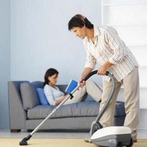 How to Steam Clean Carpets With Vinegar