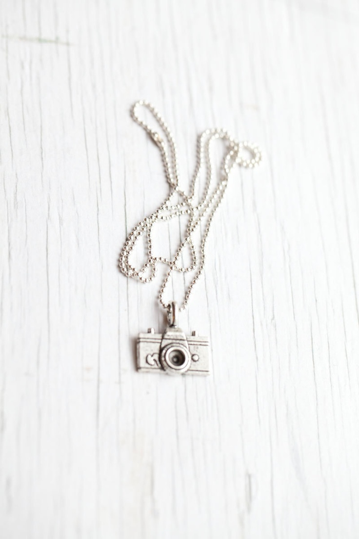 Camera Pendant $12Cameras Pendants I, Dreams Gift, Things Photography, Holiday Gift, Accessories, Law Photographers, Clothes'S Shoese Fashion, Hair Nails Jewelry, Accessories