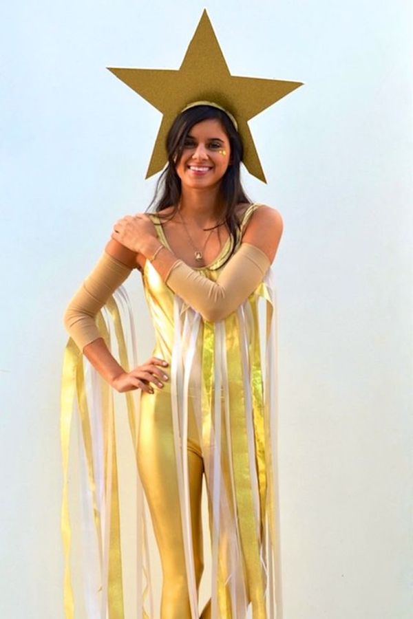 09e05d5ba Quem está afim de brilhar muito nesse Carnaval pode sair de estrela  cadente.  fantasia  estrela  carnaval