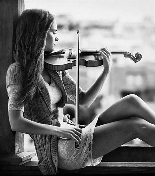 Resultado de imagen para chica tocando violin  tumblr