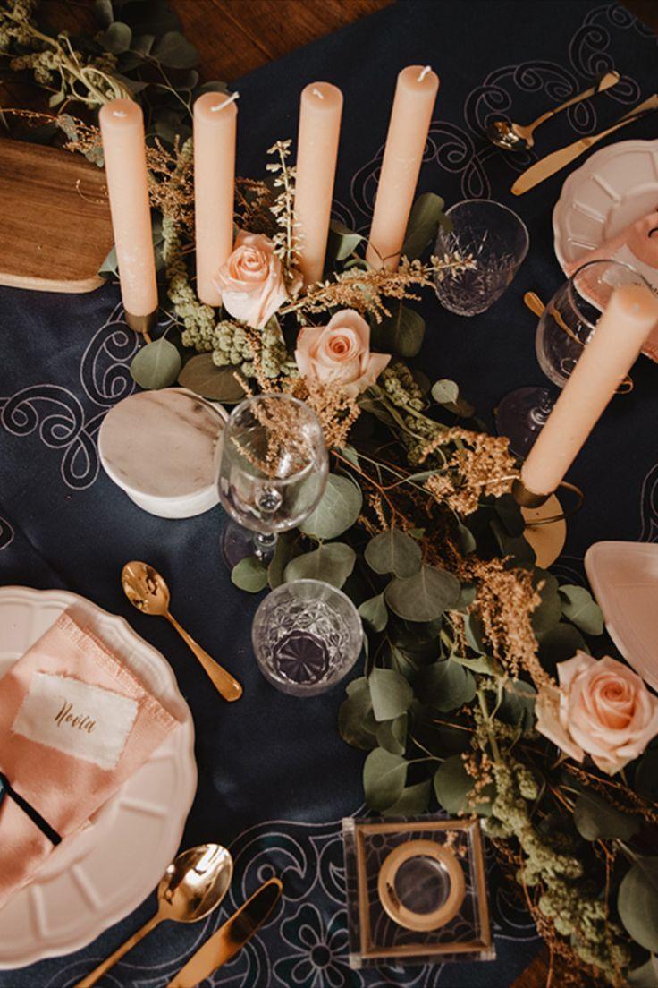 Una sesión para fugarse, para prometer amor eterno al sur de España, donde la mezcla de culturas es el resultado del estilo propio de Andalucía y su Costa del Sol. La tierra de los rojos, amarillos, naranjas y azules más ricos que hayas visto en la vida. Lugar donde te enamora su cultura, gastronomía, y su paleta de colores. #boda #elopement #wedding #love Tea Lights, Costa, Candles, Table Decorations, Love, Home Decor, Pallets, Earth, Culture