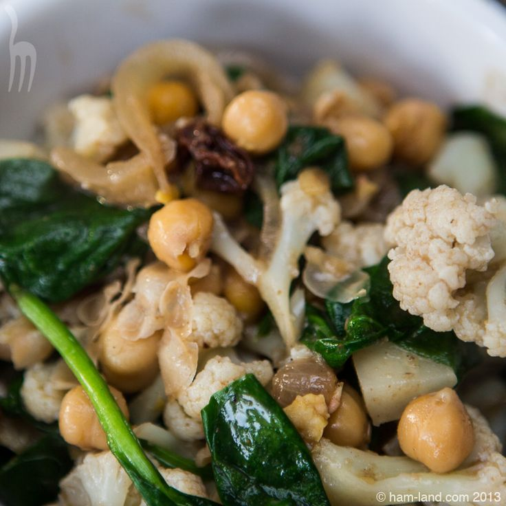 Curried Cauliflower With Chickpeas in bowl