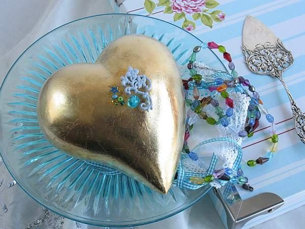 Heart with gold leaf, Nina Ewald, www.ninaewald.dk