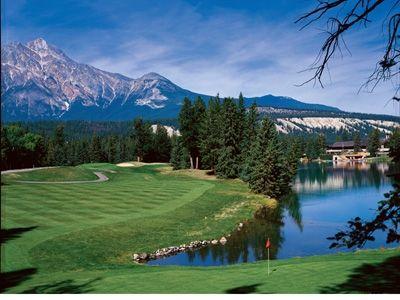 国内ゴルフ雑誌では、ゴルフリゾートとしてナンバーワンに輝くほどの高評価(C)FairmontHotelsandResorts