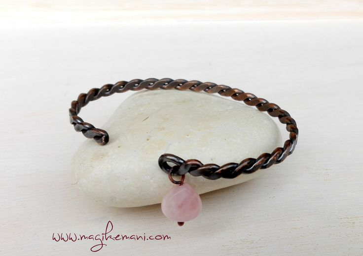bracciale bangles in rame  intrecciato con perla di fiume o quarzo rosa di MagikeMani su Etsy