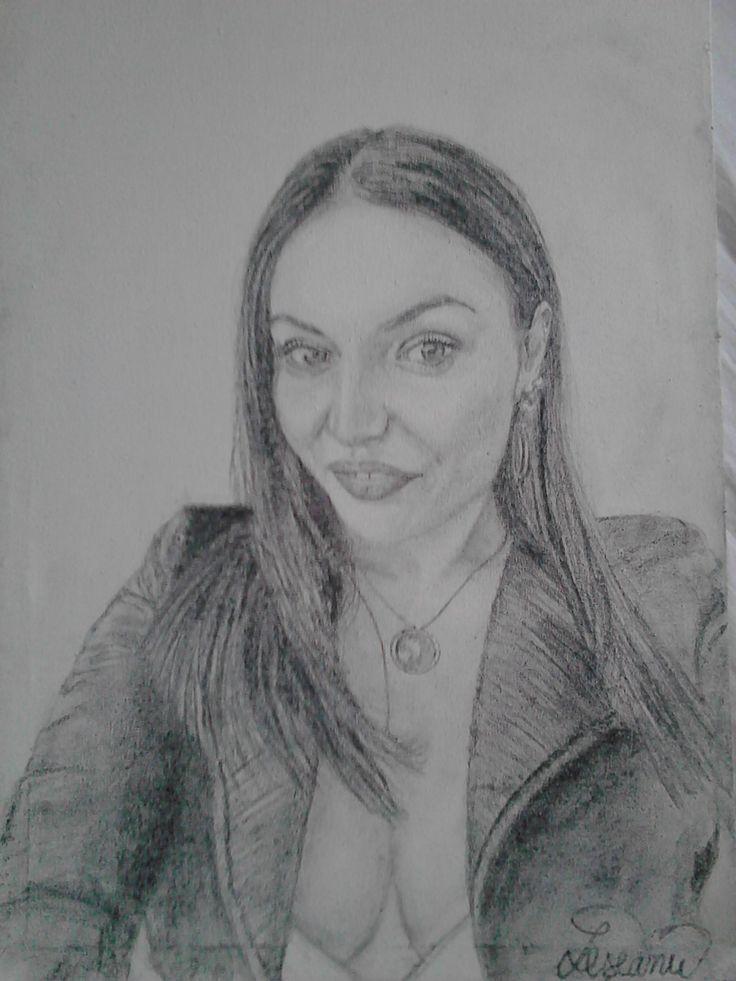 Portret feminin,pe panza,grafit. /////  Female portrait on canvas, graphite.