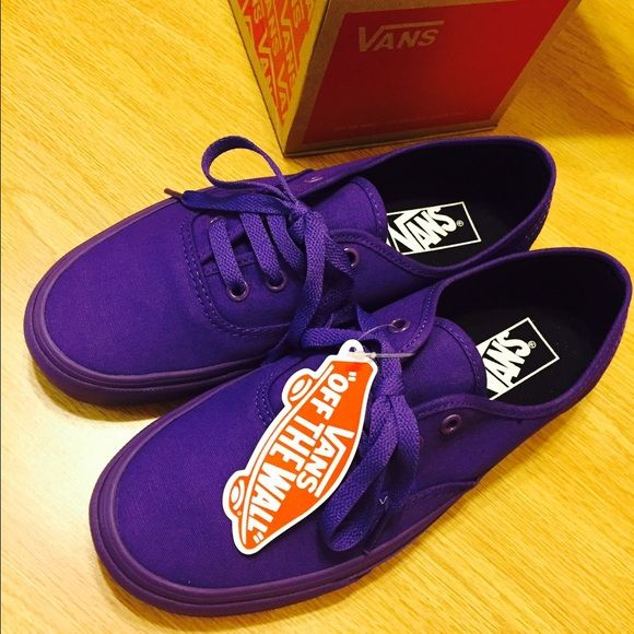 Mono Purple Vans Authentic!! (New in Box!!) Mens 6/Womens 7.5. Brand new with box, only worn to try on in an indoor setting. SO cute, love them. Perfect for xmas!! EVERYONE loves Vans! :) Firm on price, bundling discount available. Available on other sites as well. Vans Shoes Sneakers
