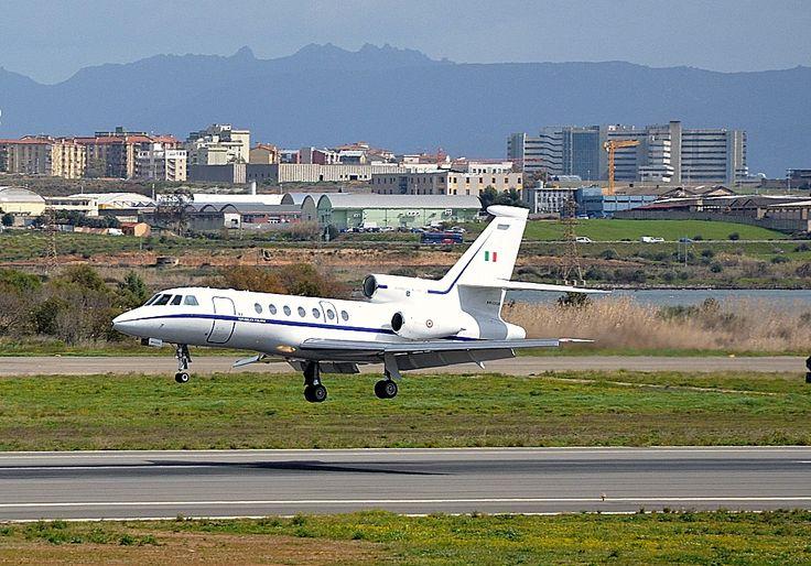 Cagliari, emergenza al carrello su volo da Londra: atterraggio regolare. I Sette Fratelli visti da Elmas.