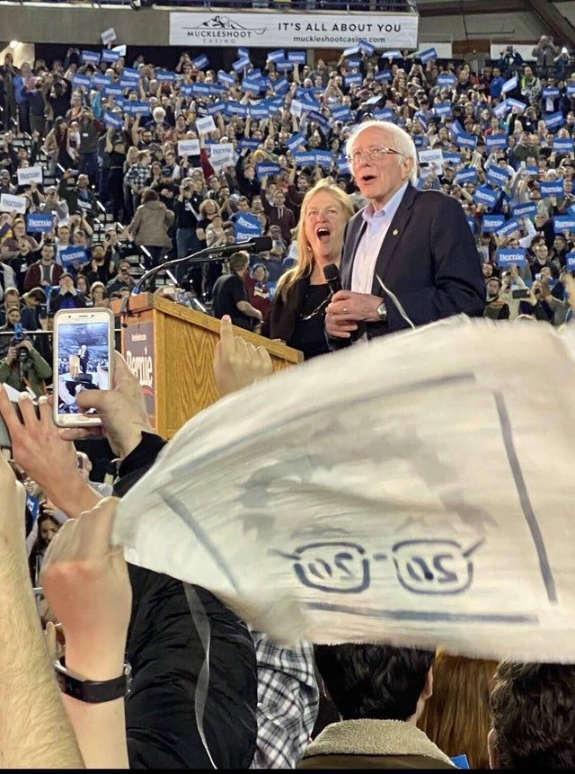 The Moment Bernie Realized Just How Packed The Tacoma Dome Was 17000 Strong Pics Tacoma Dome In This Moment Pics