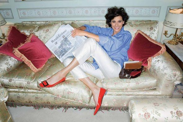 French blue voluminous shirt with cropped white pants and coral flats - fresh way to brighten up a boyish outfit