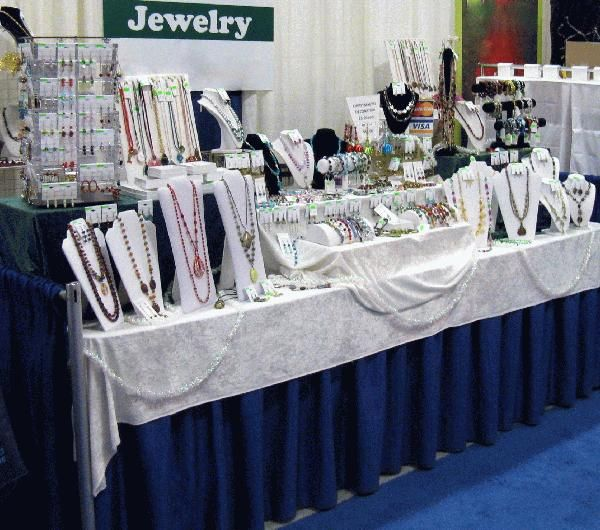 1000 images about gingerbread on pinterest polymers for Jewelry display trade show