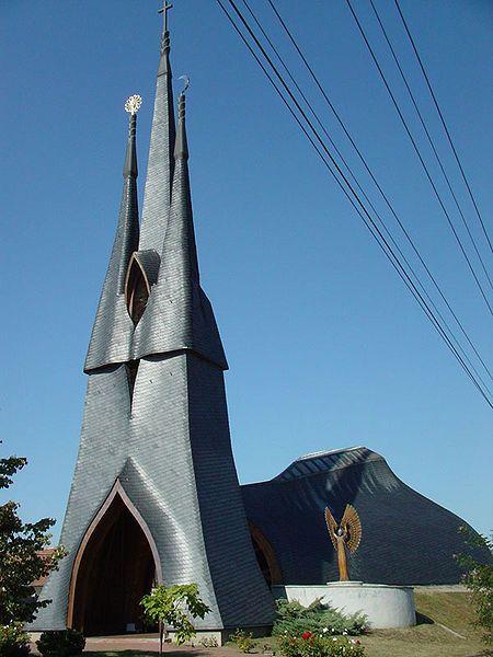 Die Heiligen-Geist-Kirche in Paks (Ungarn)
