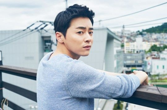 """Actor Jo Jung Suk talked about the pressure he feels by being the single leading actor of a movie. In his interview promoting his new film """"Journalist"""" on October 8, he started by saying, """"I felt a lot of pressure."""" In this movie, he plays the role of the reporter Heo Moo Hyu..."""
