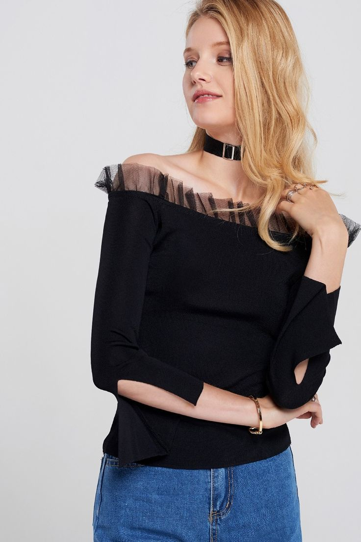 Margot Off Shoulder Top with Choker Discover the latest fashion trends online at storets.com #fashion #ootd #offshoulders #tops #choker #storetsonme