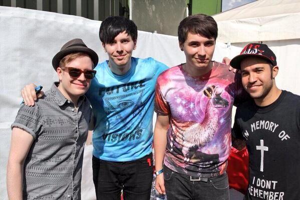 Phil's hand Pete's shirt