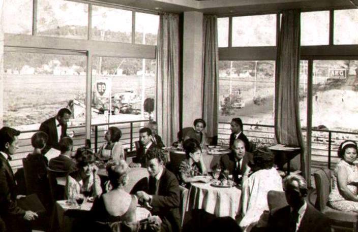Süreyya Lokantası - 1965' te Serj Homyakof tarafından Rus lokantası olarak açıldı.  (Bebek-Çamlıbahçe)