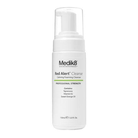 Medik8 Red Alert Cleanse Calming Foaming Cleanser i gruppen Ansikte / Rengöring / Känslig hud hos Hudotekets Webshop (1006)