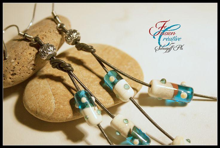 Boucles d'oreilles Turquoise-Ivoire. Perles de verre de Murano. Fait Main.