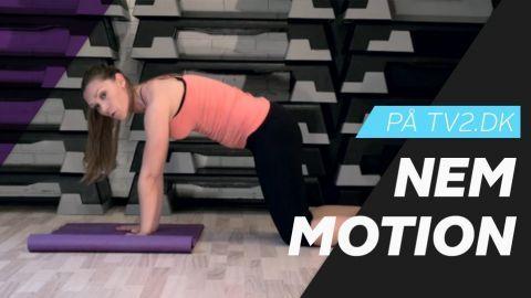 Nem Motion: Personlig træner Anne Bech viser tre nemme øvelser, så du kan styrke musklerne i dine arme. Øvelserne er særligt målrettet kvinder, der generelt har s