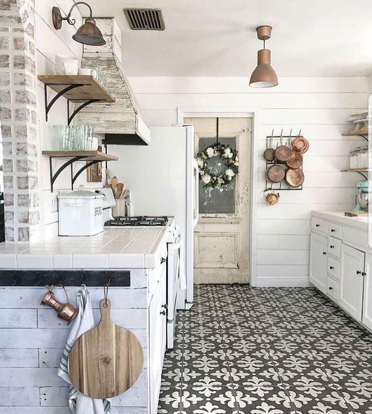 59 best Spaces images on Pinterest | Farmhouse décor, Farmhouse ...
