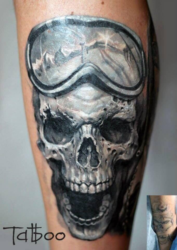 163 besten skull tattoos bilder auf pinterest totenkopf tattoos totenk pfe und tatoo. Black Bedroom Furniture Sets. Home Design Ideas
