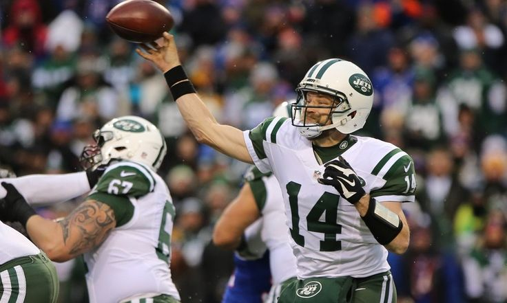 """Jets players fear Fitzpatrick will sign elsewhere """"on principle"""" = Manish Mehta of the New York Daily News reports that """"Jets sources, including players"""" are now afraid that free agent quarterback Ryan Fitzpatrick will accept an offer, even a lower offer, with another team """"on principle."""" New York has....."""