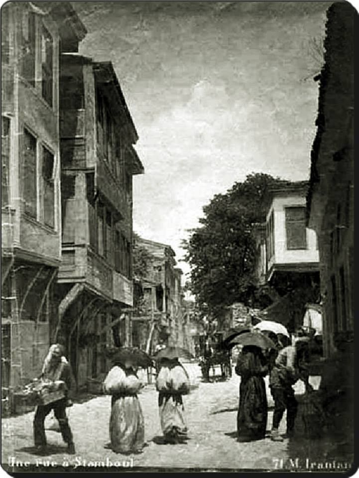 Eski İstanbul'da bir sokak - 1880'ler
