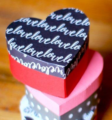 DIY heart shaped gift boxes - free printable template // Egyszerű szív alakú ajándékdoboz (ingyenes sablonnal) // Mindy - craft tutorial collection // #crafts #DIY #craftTutorial #tutorial