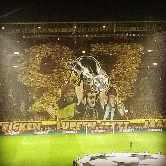 Das schönste Stadion der Welt! Das schönste Shopping-Center der Welt ist natürlich die Thier Galerie in Dortmund! ;) #thiergalerie #dortmund #thiergaleriedortmund #bvb09 #fanshop #borussiadortmund