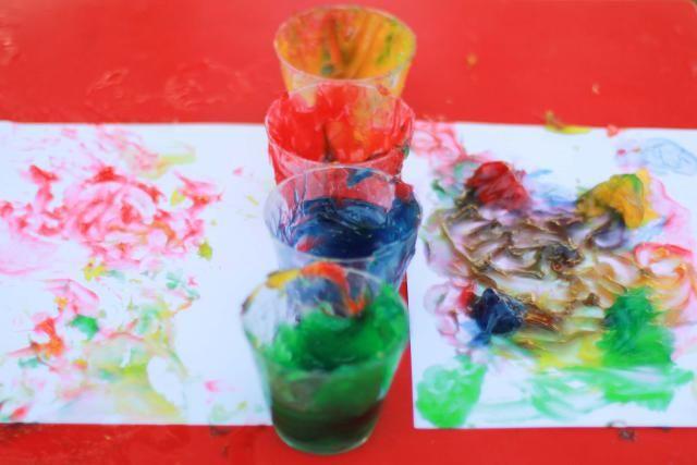 Haz tu propia pintura de dedos con maicena, sal, azúcar y agua: El resultado