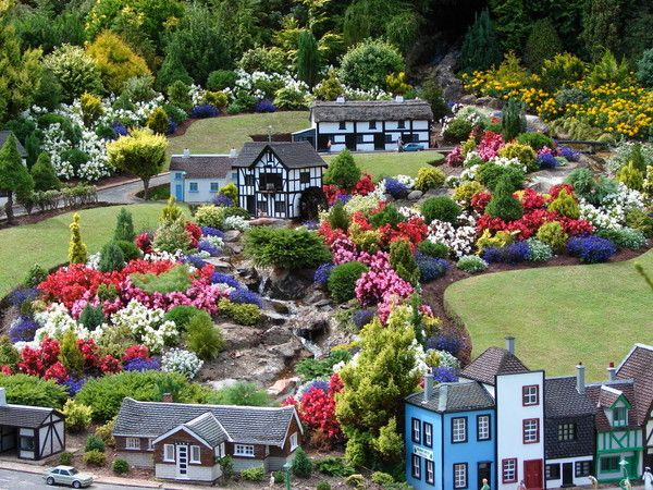 Babbacombe Model Village, Torquay, Devon~This is so amazing that I don't even know what words to use to describe it!