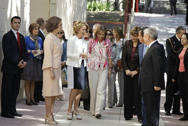 asistencia del presidente juan manuel santos y la primera dama al aniversario del tiempo 2010 - Buscar con Google