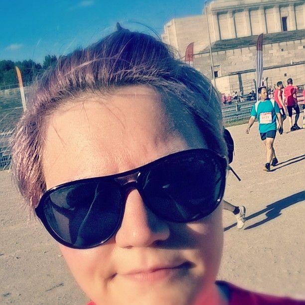 So, die Vorbereitungen auf den Helsinki City Run 2016 gehen los. Gestern hab ich beim B2Run Nürnberg mitgemacht. Bei 30Grad im Schatten ... Start war am Zeppelinfeld und ab da dann 6,4km um den Dutzenteich. Oh war ich platt.  #hcr2015 #hcr2016 #Helsinki #halfmarathon #run21 #laufen #Sommer #hitze