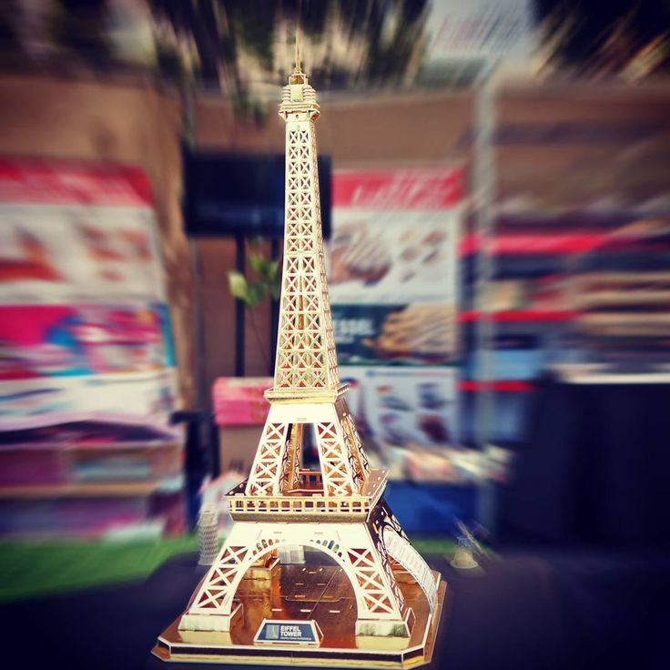 📣 Ven a #hogarboulevard y tomate una 📷#selfie junto a nuestra 🇫🇷 #GoldenEiffel de 115cm con iluminación 💡LED✨ y publicala en instagram con las bases del concurso y la podrás ganar. 📅 El lunes 19 vamos a dar los 🏁 resultados en #cubicfunclub y @hogarboulevard 👏👏👏