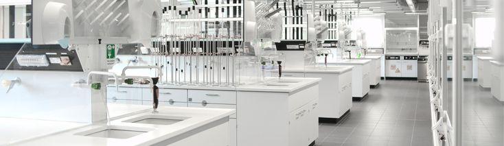 Modern chemistry laboratory for students   TU Bergakademie Freiberg