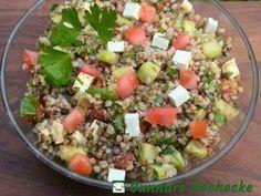 Buchweizen-Salat mit Gurke, Tomate und Feta