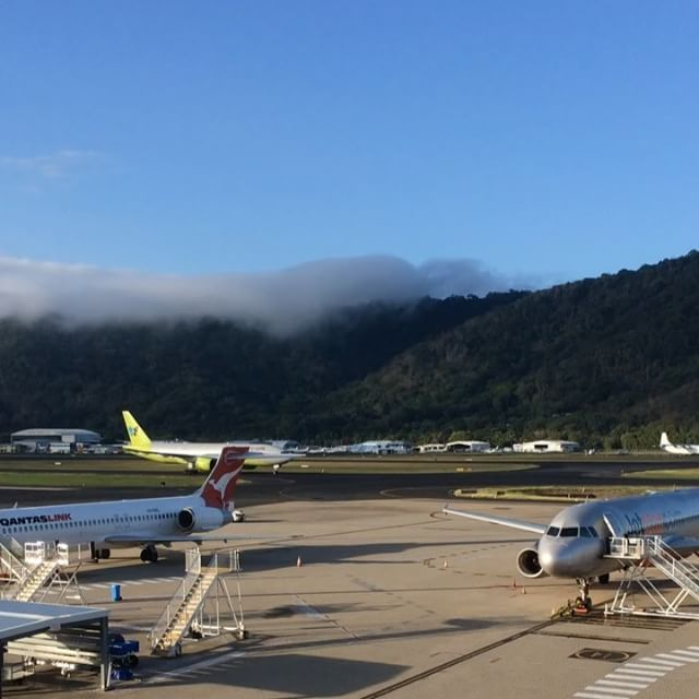 Cairns Airport is proud to welcome the @jinair_lj inaugural flight from Seoul! ✈️👏🎉